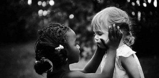 """Quando-tocchi--un'anima-umana,-sii-semplicemente-un'altra-anima-umana"""